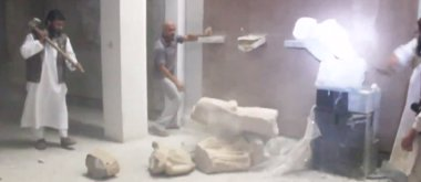 Foto: Milicianos de EI destruyen esculturas y estatuas de miles de años de antigüedad en Mosul (YOUTUBE)