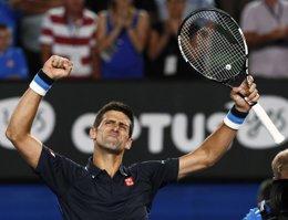 Foto: (Crónica) Djokovic y Federer se meten en semifinales de Dubai (THOMAS PETER / REUTERS)