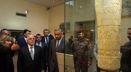 """Foto: Al Abadi inaugura el museo de Irak después de 12 años y defiende la cultura """"de los que intentan destruirla"""" (STRINGER IRAQ / REUTERS)"""