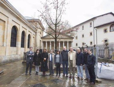 Foto: Urkullu asiste el lunes a la plantación del nuevo Árbol de Gernika (JUNTAS DE BIZKAIA)