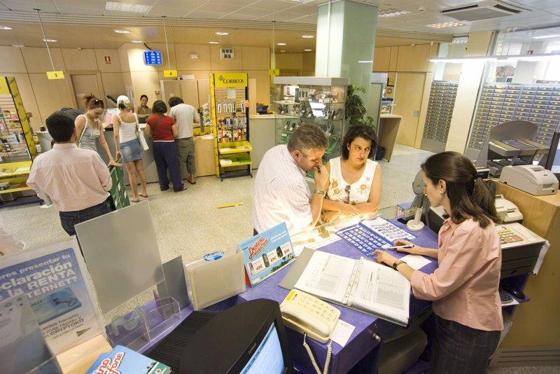 Trabajadores de correos de barakaldo realizar n un paro for Oficina de correos bilbao