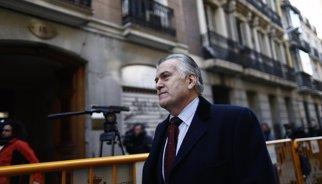Ruz rebutja ampliar a 900 euros mensuals l'assignació a Bárcenas i la manté en 300