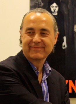 Foto: La UC presenta el nuevo poemario de Luis Alberto de Cuenca (UC)