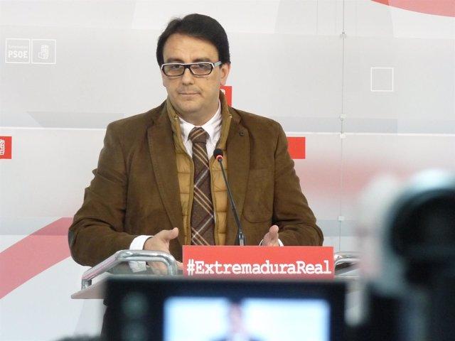 """Foto: El PSOE extremeño considera que el plan contra la hepatitis C del Ministerio de Sanidad es """"un fracaso"""""""