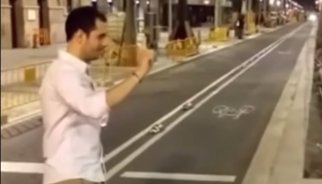 Declara en comisaría Mario García Montealegre, el joven que pegó una patada una chica en Barcelona