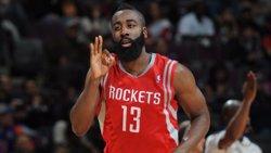 Foto: Harden, sancionat amb un partit pel seu cop de peu a Lebron James (NBA)