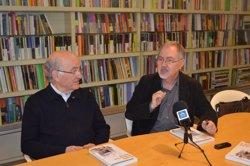 Foto: El periodista Juan Cal publica la novel·la de postguerra 'El exilio de Mona Lisa' (EUROPA PRESS)