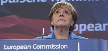 """Foto: Merkel y Juncker ven """"prematuro"""" hablar de un tercer rescate para Grecia (YVES HERMAN / REUTERS)"""