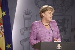 Foto: Merkel demana concentrar-se en la pròrroga de l'actual rescat i Juncker veu