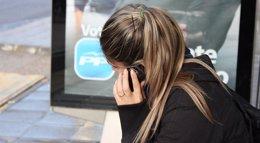 Foto: El Consell Escolar de Catalunya cree que prohibir los móviles puede limitar los derechos de los alumnos (EUROPA PRESS)