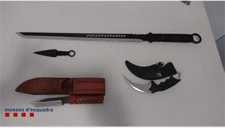 Detingut un home per intentar matar la seva dona amb una katana a Barcelona