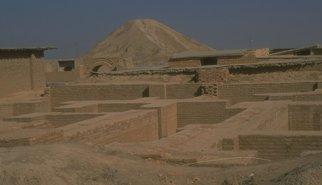 El Estado Islámico destruye con buldóceres parte de la localidad asiria de Nimrud