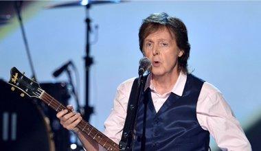Foto: Paul McCartney colabora con el supergrupo de Johnny Depp, Alice Cooper y Joe Perry (GETTY)