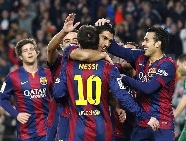 Messi se divierte con el Levante