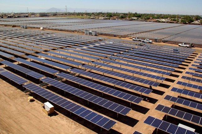 Central fotovoltáica de Grupo T-Solar en California