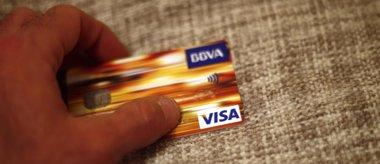 Foto: La norma que limita las tasas a pagos con tarjeta ahorrará 6.000 millones al año (EUROPA PRESS)