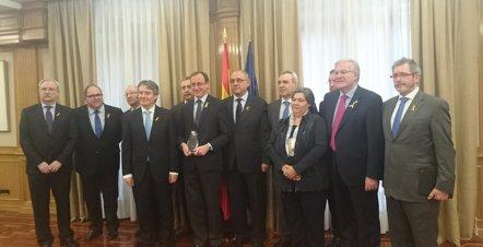 """Foto: El Ministerio de Sanidad tiene como """"prioridad"""" defender a los sanitarios (EUROPA PRESS)"""