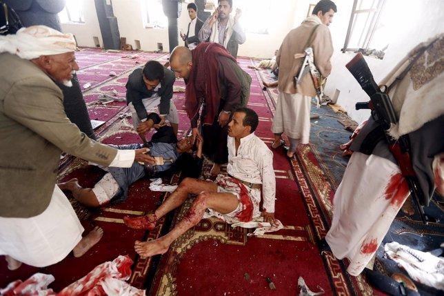 Dos atentados suicidas en mezquitas de Yemen dejan al menos 24 muertos