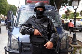 Foto: Más de 20 detenidos tras el atentado contra el Museo del Bardo de Túnez (ANIS MILI / REUTERS)
