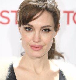 Foto: Angelina Jolie s'extirpa els ovaris i les trompes de Fal·lopi per no desenvolupar càncer (EUROPA PRESS)