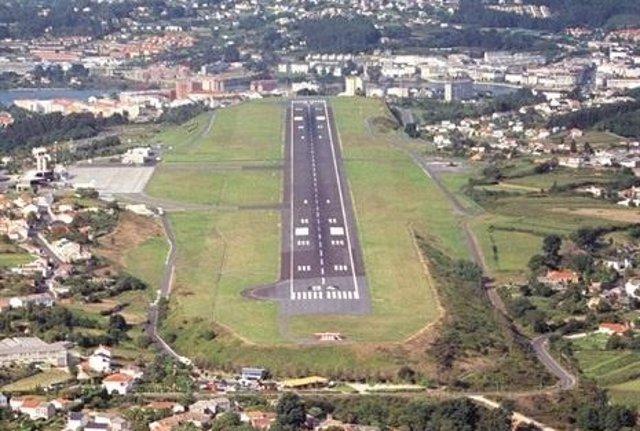 Foto: Desviado un vuelo desde Alvedro a Santiago