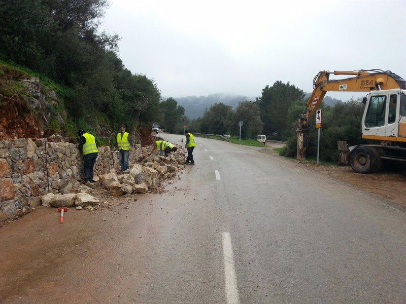 El Consell invierte m�s de un mill�n de euros en muros de pedra en sec en las carreteras de la Serra