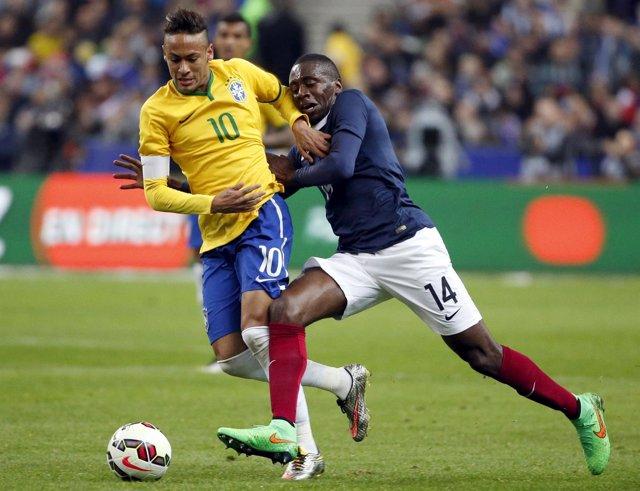 Foto: Brasil remonta en Saint-Denis de la mano de Neymar