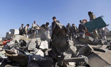 Foto: Avions bombardegen les posicions dels huthis a dues localitats de Saada (KHALED ABDULLAH ALI AL MAHDI)