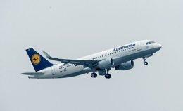 Foto: Las acciones de Lufthansa suben un 0,5% y ponen fin a tres días de caídas por el accidente del Germanwings (CEDIDA)