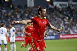 Foto: Bale acerca a Gales a la Eurocopa (BAZ RATNER / REUTERS)