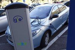 Foto: Cinc estacions dels FGC tindran punts de recàrrega per a cotxes elèctrics (EUROPA PRESS)
