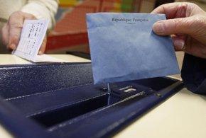Foto: La participación cae casi tres puntos en las departamentales francesas (REUTERS)