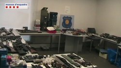 Foto: Successos.- Desarticulen el dipòsit d'armes il·legals més gran trobat a Catalunya (MOSSOS D'ESQUADRA)