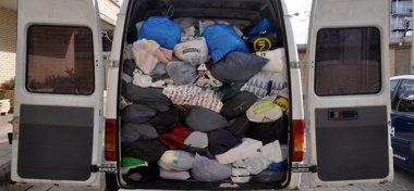 Foto: Tres detenidos por sustraer ropa usada de contenedores benéficos (CNP)