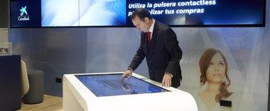 Foto: CaixaBank estrena un nuevo concepto de oficina (TINO GIL)