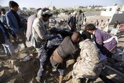 Foto: 45 morts per un atac aeri sobre un camp de refugiats del Iemen (KHALED ABDULLAH ALI AL MAHDI)