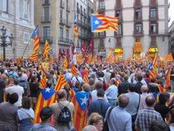 Foto: AMP.- Partits i entitats signen un nou preacord que fixa la independència en un any i mig (EUROPA PRESS)