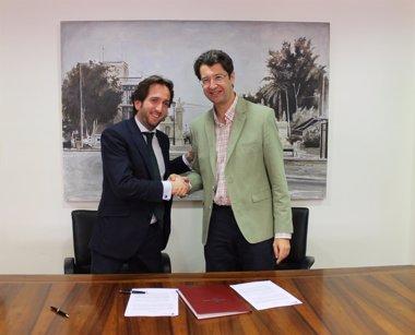 Foto: La Comunidad y el Grupo Secuoya firman el contrato de gestión indirecta del servicio de la televisión autonómica (GOBIERNO REGIONAL)