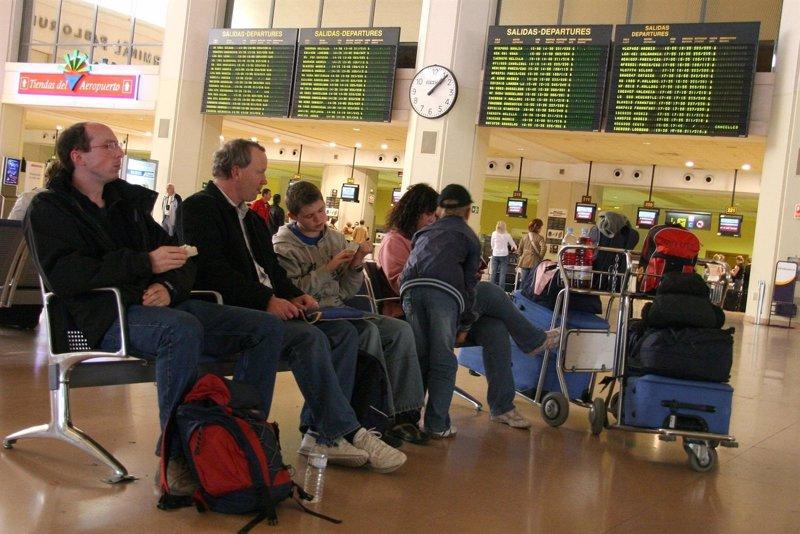 M�s de 560.000 pasajeros pasar�n por los aeropuertos de las Islas hasta el lunes