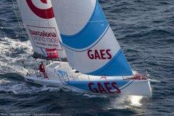 Foto: El 'GAES Centros Auditivos' completa el podi de la Barcelona World Race (GILLES MARTIN-RAGET/ BARCELONA WORLD RACE)