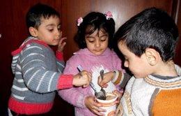 Foto: Maher, Rawan y Ahmad, los trillizos sirios que han vencido a la desnutrición (UNICEF/YAMAN HALAWI)