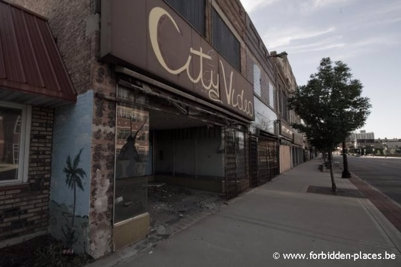 Fotos 5 lugares abandonados con historia for Jackson 5 mural gary indiana