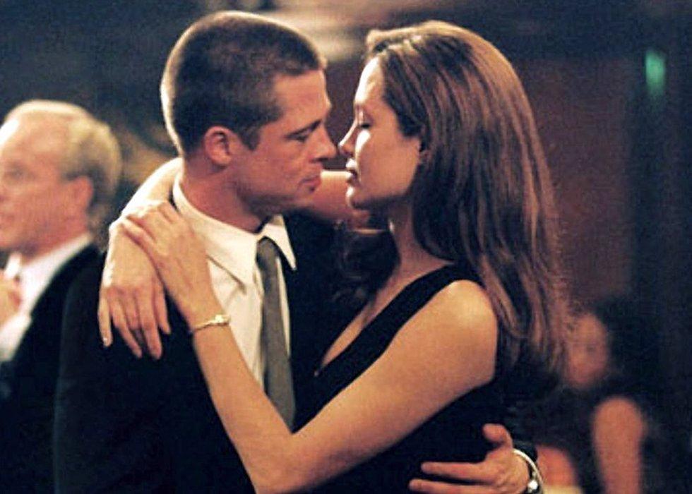 Angelina jolie revelando cinta de sexo