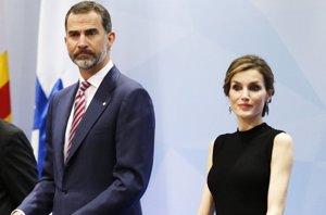 Foto: Doña Letizia, una elegancia discreta confiando en Nina Ricci (CORDON PRESS)