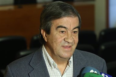 Foto: Álvarez-Cascos dice que seguirá siendo amigo de Rato (FORO ASTURIAS)