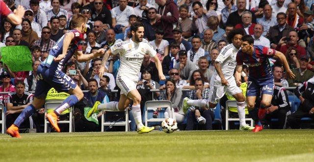 Foto: El Real Madrid, obligado a aparcar la 'Champions'