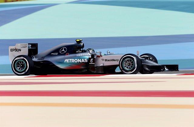 Foto: Mercedes aprieta para dominar los libres, con Rosberg al frente
