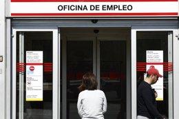 Foto: Cantabria tiene la tasa de contratos temporales más alta (EUROPA PRESS)