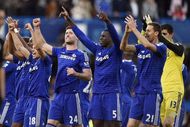 Foto: Hazard resuelve ante el United y el Chelsea acaricia el título de Liga
