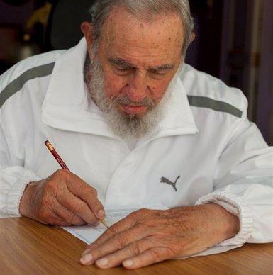 Foto: Fidel i Raul Castro voten a les eleccions a l'Assemblea Municipal del Poder Popular (REUTERS)